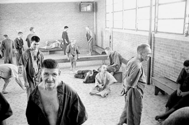 60`larda Bakırköy Ruh ve Sinir Hastalıkları Hastanesi'nde Yatan Akıl Hastalarının Yazdığı 20 Şiir