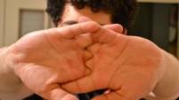 Parmaklarımız neden çıtlar?