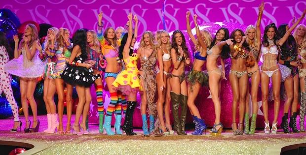 2014 Victoria's Secret büyüledi