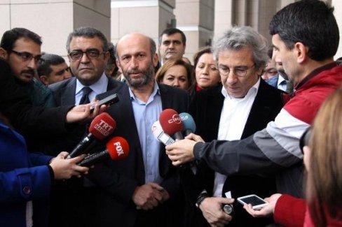 Dündar ve Gül'ün tutukluluğuyla ilgili flaş gelişme