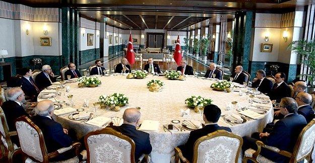 Cumhurbaşkanlığı Sofrasında İki Konu Ele Alındı