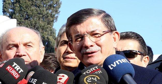 Davutoğlu'dan Gazetecilere İç Ferahlatan Mesaj
