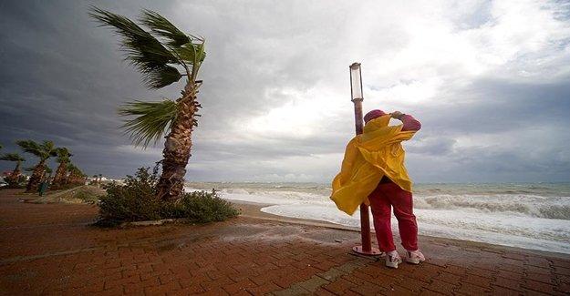 Dikkat Bu İllerde Şiddetli Yağış Ve Denizlerde Fırtına Var
