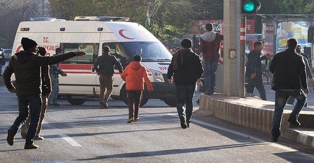 Diyarbakır'da Karne Dağıtımı Sırasında Saldırı