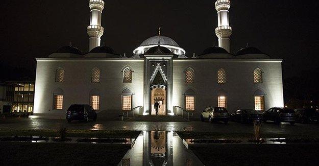 Erdoğan ABD'nin İlk Çift Minareli Camisini Açacak
