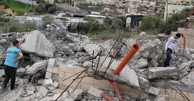 İsrail Zulmü Filistinlilere Ait 2 Evi Yıktı