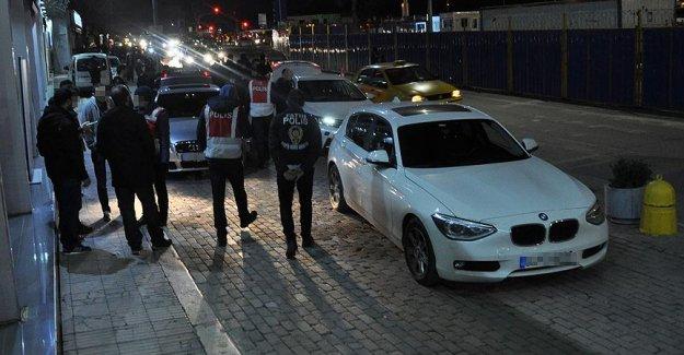 İstanbul'da 5 Bin Polisle Operasyon 165 Gözaltı