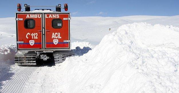 Kar Ambulansı Can Kurtarıyor