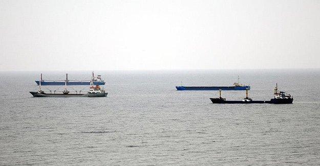 Karayel, Marmara Denizinde Etkisini Sürdürüyor