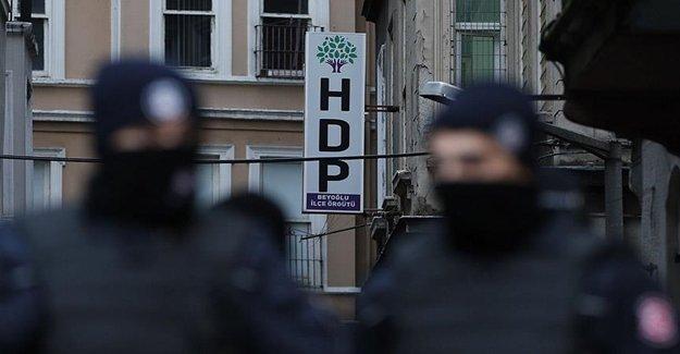Terörle Mücadele Ekipleri HDP Beyoğlu İlçe Binasında