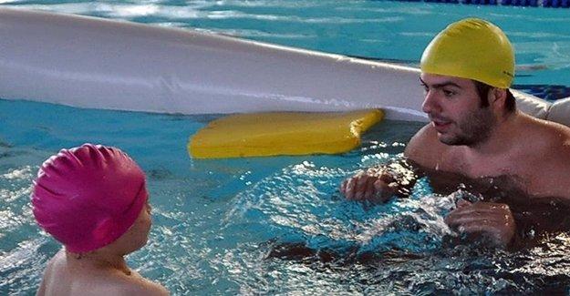 Yüzerek Hayata Tutunuyorlar