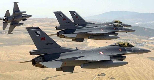 12 F-16 Suriye Sınırında Uçtu