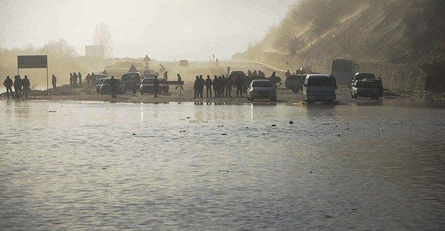 Bartın'da Sağanak Yağmur'dan Köprüler Su Altında