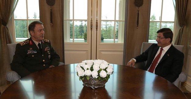 Başbakan Orgeneral Akar'ı Kabul Etti