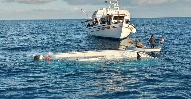 Ege Denizinde Mültecileri Taşıyan Tekne Battı
