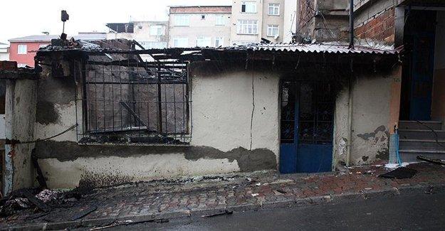 İstanbul Esenlerde Korkunç Yangın İki Ölü