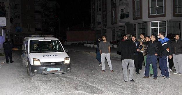İzmir'de Üniversite Yerleşkesine Patlayıcı Atıldı