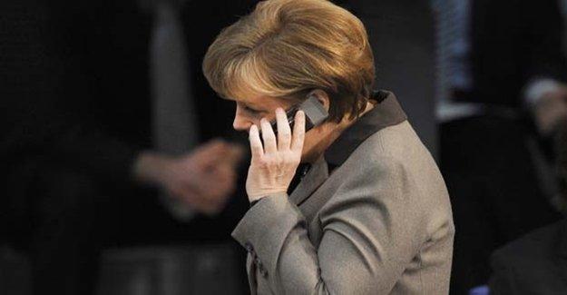 Merkel'e Bir Darbe Daha