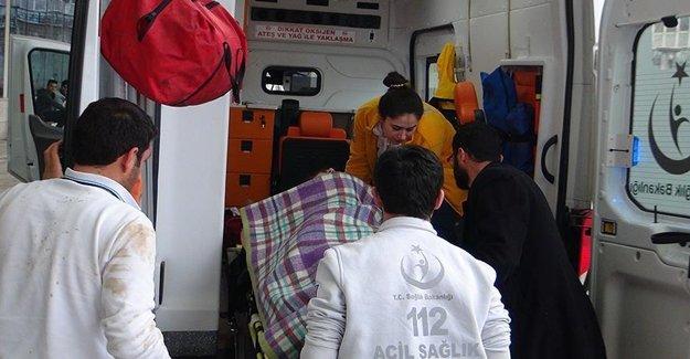 Siirt'te Minibüs Uçuruma Uçtu: 13 Yaralı