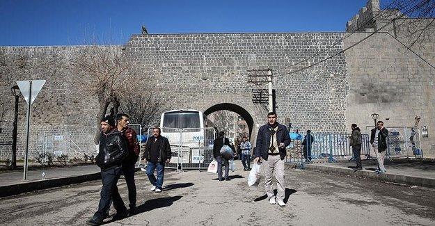 Sur'da 9 Mahallede Yasak Kalktı