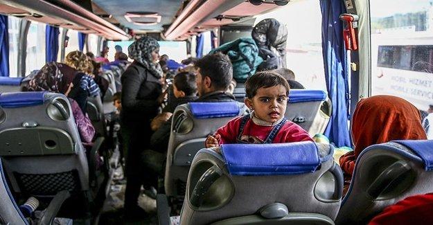Suriyeli Aileler Türkiye Gelmeye Devam Ediyor