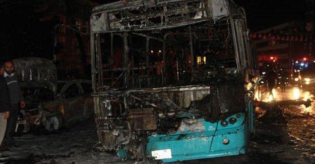 Halk Otobüsünü Ateşe Verdiler