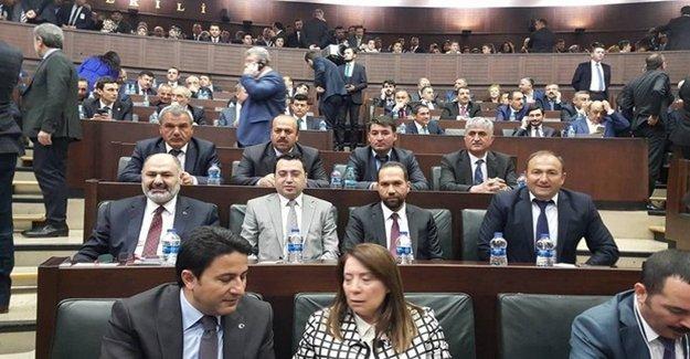 İhraç Edilen CHP'liler Ak Parti'ye Geçti
