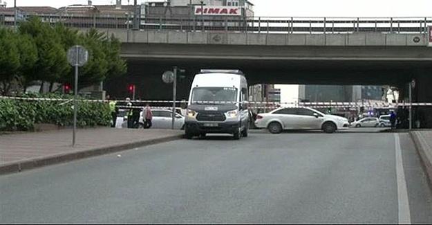 Yol Trafiğe Kapatıldı Mecidiyeköy'de Şüpheli Minibüs