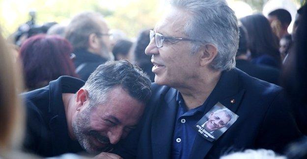 Cem Yılmaz'dan 'Gülen Fotoğraf' Açıklaması