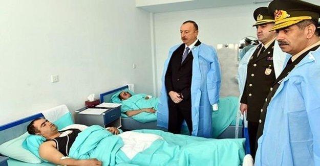 İlham Aliyev Yaralı Askerleri Ziyaret Etti