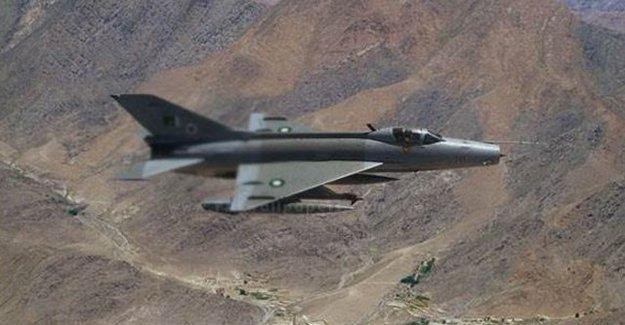 İran'da Savaş Uçağı Düştü