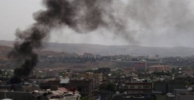 Kars'ta PKK'lı Teröristlerle Çatışma: 2 Asker Yaralı