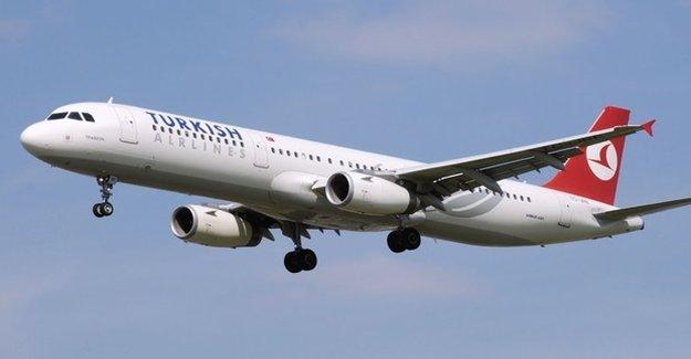 THY'nin Los Angeles Uçağı Acil İniş Yapıyor