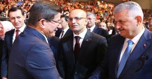 Ahmet Davutoğlu'ndan Sürpriz Telefon!