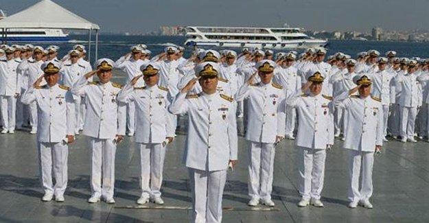 Askeri Gemiler 'Beyaz Fırtına Tatbikatı' İçin İzmir'e Geldi