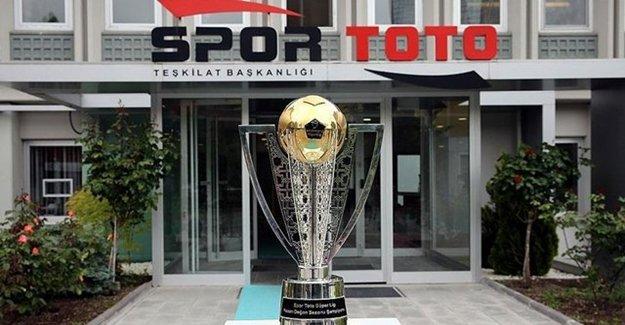 Beşiktaş'ın Şampiyonluk Kupası Yola Çıktı