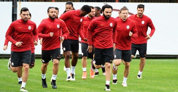 Galatasaraylı Futbolculardan Yönetime İsyan