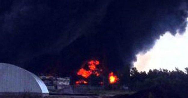 Hindistan'da Mühimmat Deposunda Korkunç Yangın
