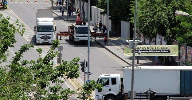 İstihbarat Uyardı Valilik Beton Bloklarla Önlem Aldı