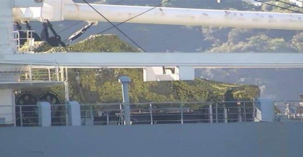 Rus Gemisi Boğaz'dan Tankla Geçti