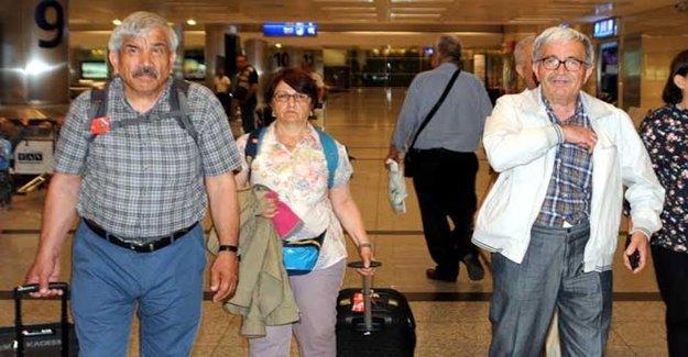 Türk Akademisyenlere Büyük Şok! Gözaltına Alındılar