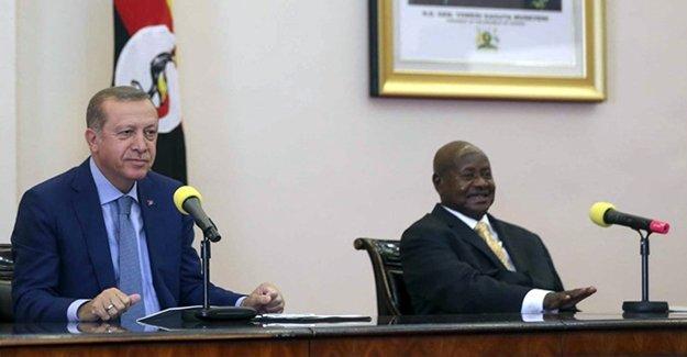 Erdoğan İle Museveni'nin Basın Açıklamasında Renkli Anlar