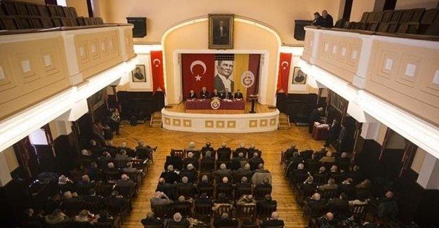 Galatasaray Yönetiminde İstifa!