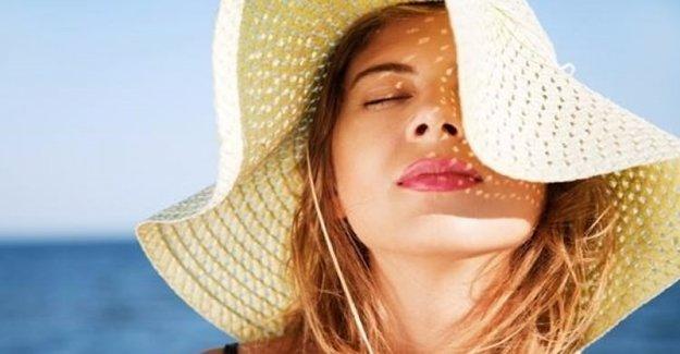 Güneşli Ortamlarda Makyaj Malzemelerini Daha Az Kullanın