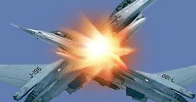 İki Savaş Uçağı Çarpıştı