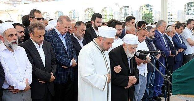 Erdoğan Son Yolculuğunda O İsmi Yalnız Bırakmadı