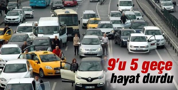 9'u 5 geçe, Türkiye'de hayat durdu