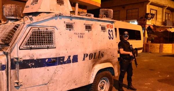 Adana'da Terör Örgütü Üyelerine Şafak Operasyonu