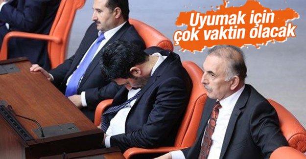 AK Parti'de Uğur Işılak çizildi