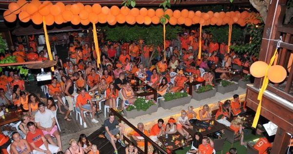 Alanya'da Hollandalı Turistler Hüzne Boğuldu